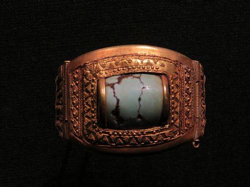 Chalcedony Finger Ring w Double Bezel