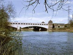 Weser unter der Kanalbrücke