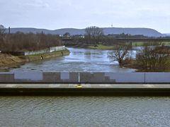 Kanal über der Weser